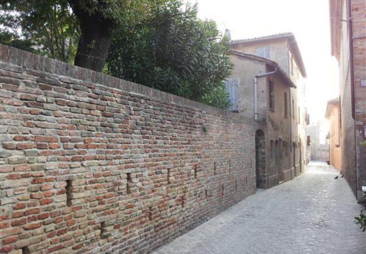 Palazzo_di_pregio_e_Storico_in_vendita_nel_Castello_di_Gradara_473s-11
