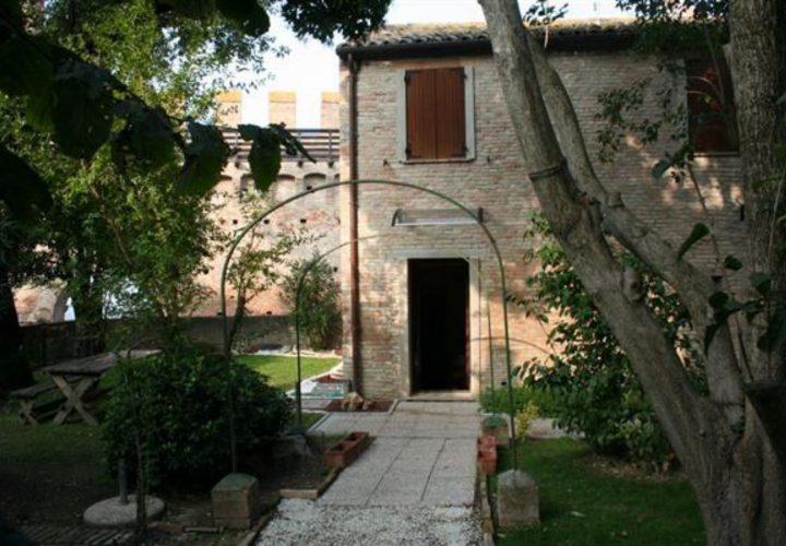 Palazzo_di_pregio_e_Storico_in_vendita_nel_Castello_di_Gradara_473s-12