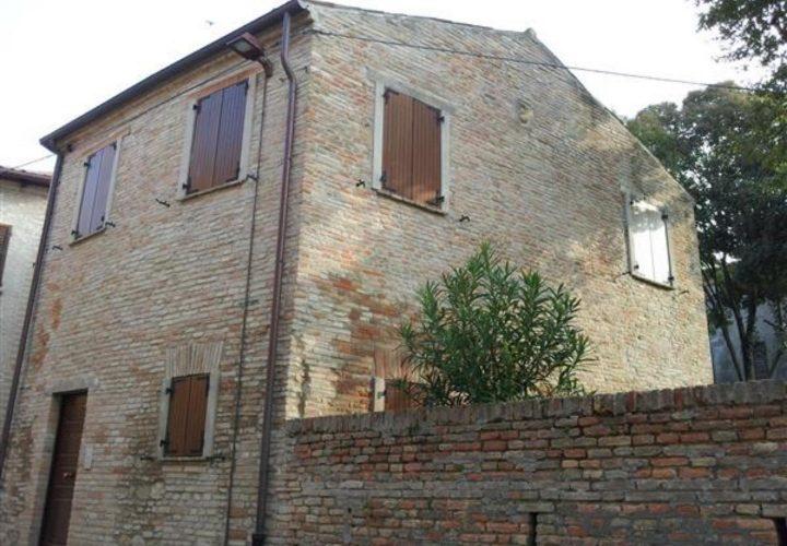 Palazzo_di_pregio_e_Storico_in_vendita_nel_Castello_di_Gradara_473s-17