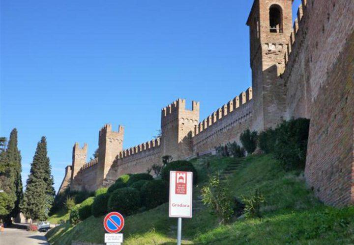 Palazzo_di_pregio_e_Storico_in_vendita_nel_Castello_di_Gradara_473s-22