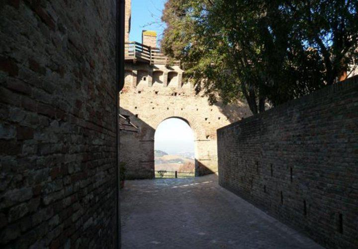 Palazzo_di_pregio_e_Storico_in_vendita_nel_Castello_di_Gradara_473s-6